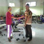 Bantuan Meja Kursi untuk Madrasah Diniyah Hidayatul Mubtadiin